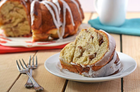 Honey Swirled Coffee Cake | The Man With The Golden Tongs Hands Are In The Oven | Scoop.it