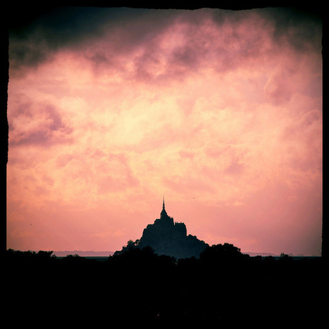 The Monastery in the Sea: 20 Stunning Photos of Mont Saint Michel | Un peu de tout et de rien ... | Scoop.it