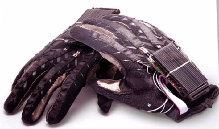 Researchers design cool smart gloves that turn sign, text language gestures into speech | Latest Tech News, Video & Photo Reviews at BGR India | The World of Indigenous Languages | Scoop.it