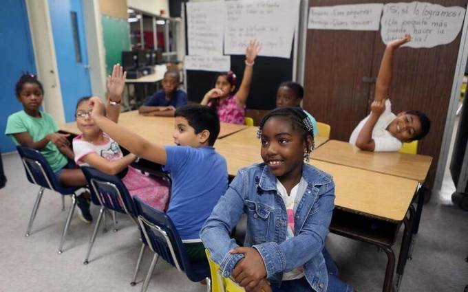 Program expands bilingual learning to Miami-Dade's diverse population