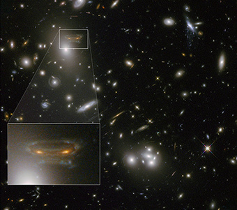 HubbleSite - NewsCenter - Gravitational Lens Creates Cartoon of Space Invader (03/05/2013) - Release Images | The Blog's Revue by OlivierSC | Scoop.it