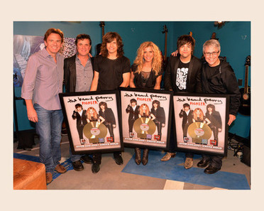 The Band Perry lands American Music Award nod, gold plaques for 'Pioneer' - Examiner.com | Antiques | Scoop.it