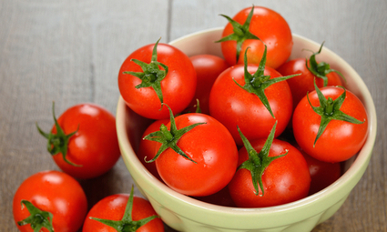 8 Ways Tomatoes Are an Anti-Aging Superfood | EcoWatch | Better Skincare | Scoop.it