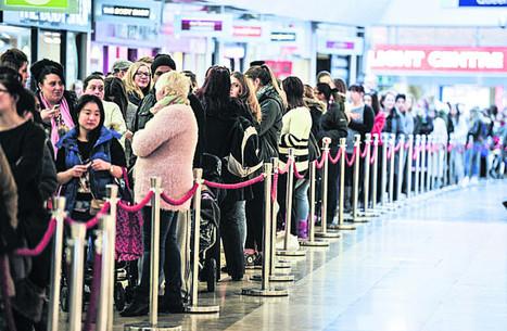 Bargain hunters queue up as H&M opens doors   H&M   Scoop.it
