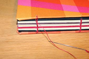 Rambling Cat: Bookbinding ‒ Coptic sewing | Bookmaking | Scoop.it