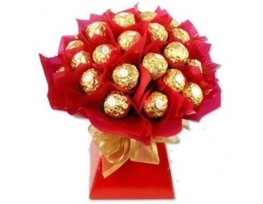 Rose Chocolate | 12 Red Roses N 2kg Fruit Basket | Scoop.it