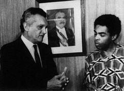 Livro reúne ensaios, entrevistas e manifestações do ex-ministro e intelectual Celso Furtado   transversais.org - arte, cultura e política   Scoop.it
