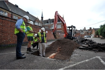Heavy machinery moves in as experts begin digging for Richard in Leicester car ... - This is Leicestershire | Heathers Scoop | Scoop.it