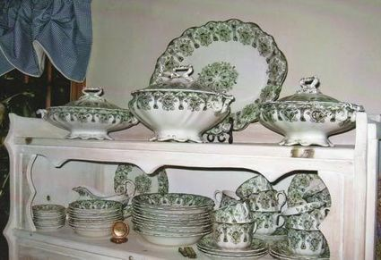 Why Meakin Dinner Service Has high Replacement Value, Low Sale Value | Antique Pottery & Porcelain Marks | Scoop.it