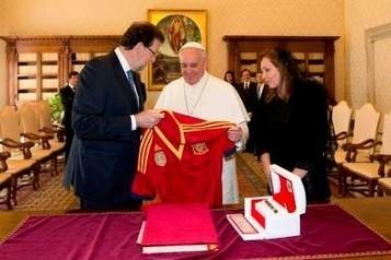 Rajoy oferece camisola da seleção espanhola ao Papa - Globo - DN | Papa Francisco I | Scoop.it