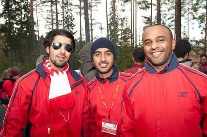 Blue Abaya: Filthy Rich Arabs Doing Forest Work in Finland | Hijab Fashion | Scoop.it