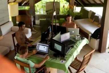Lavorare Insieme in un Paradiso Tropicale Aumenta la Produttività e Migliora la tua Vita - Project Getaway   Come Vivono e Lavorano i Nomadi Digitali   Scoop.it