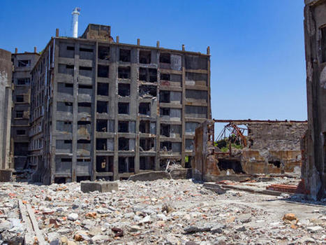 Behold the haunting decay of Gunkanjima, Japan's 'Battleship Island' | Abandoned Houses, Cemeteries, Wrecks and Ghost Towns | Scoop.it