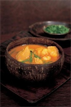THAI YELLOW PUMPKIN AND SEAFOOD CURRY | Recipes | Nigella Lawson | Slimming World recipes | Scoop.it
