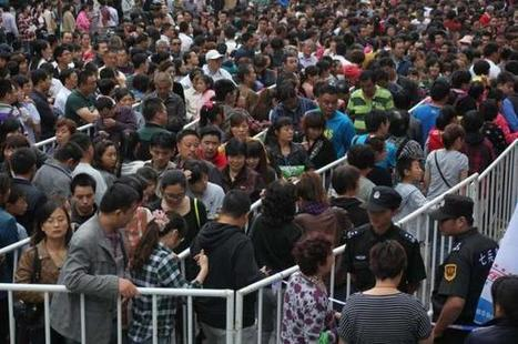 Gold Buying Panic In China: 10,000 People Wait In Line For Their Chance to Own Precious Metals | Hidden financial system | Scoop.it