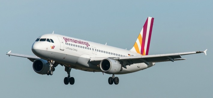"Non, le copilote de la Germanwings n'avait pas de certification de la FAA | Revue de presse ""AutreMent"" 