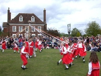 10 Very Strange British Traditions - Listverse | IB English Ideas and Issues | Scoop.it
