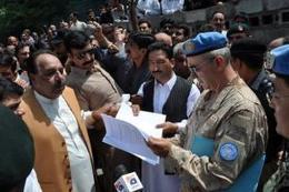 Pakistan summons Indian envoy over LoC firing - Politics Balla | Politics Daily News | Scoop.it