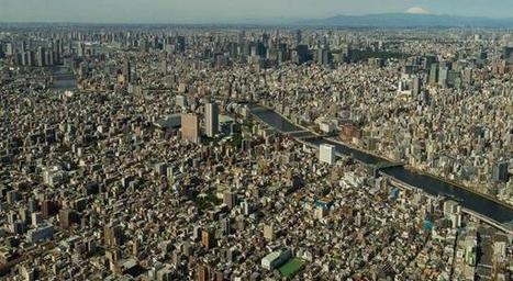 "Unrevealed Facts on Twitter: ""This photo really puts into perspective just how massive Tokyo is. http://t.co/KApWijmyIn"" 