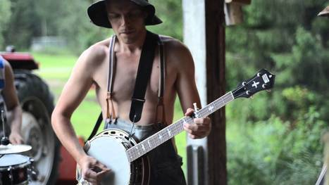 This Awesome Cover Of AC/DC's Thunderstruck Will Blow You Away! | HotHotter | Scoop.it