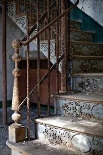 A Stunning Old Staircase | Antiques & Vintage Collectibles | Scoop.it