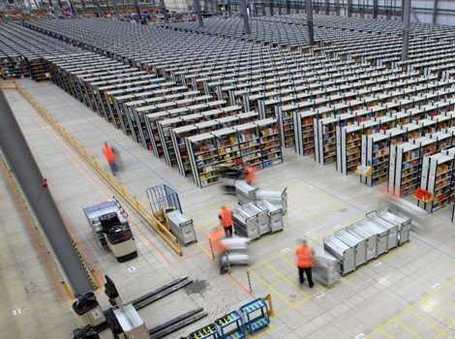 The Massive Scale Of Amazon's Distribution Operations, Revealed Through Startling Images | Everything from Social Media to F1 to Photography to Anything Interesting. | Scoop.it