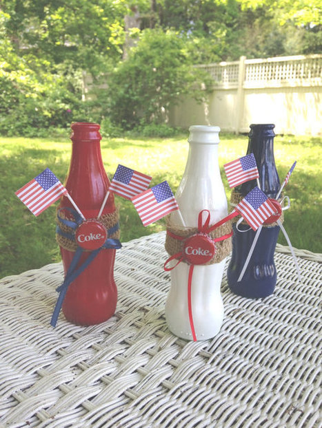 Painted Coke Glass Bottles Red White Blue Fourth of July Bud vase Patriotic Set Coca-Cola burlap band American Flag table decor by ilPiccoloGiardino | Sport | Scoop.it