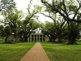 HAWAIIAN HOLIDAY AND EASTERN U.S.A.: OAK ALLEY PLANTATION ON THE GREAT RIVER ROAD | Oak Alley Plantation: Things to see! | Scoop.it