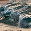 Liquid Sculptures: Powerful Waves Photographed by Pierre Carreau Seem Frozen in Time | Colossal | Responsive web design | Scoop.it