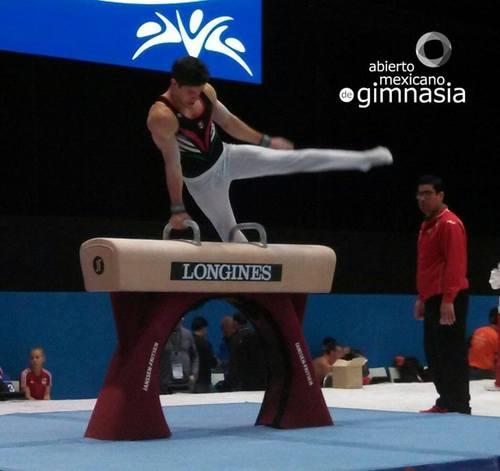 Entrenan gimnastas mexicanos en sede mundialista