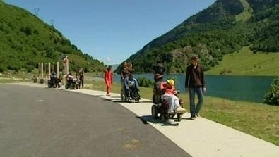 La montagne pour tous - Handicap - France 3 Régions - France 3   montagne   Scoop.it