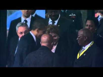 The Distraction of a Handshake in South Africa | Nelson Mandela 1918 - 2013 | Scoop.it