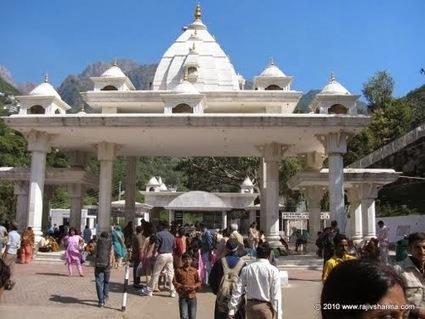 Pravesh Dwar-Mata Vaishno Devi ~ INDIAN TEMPLE JMD   Indian Temple Yatra   Scoop.it