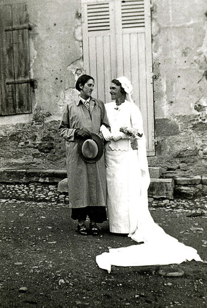 The Invisibles: Moving Vintage Photos of LGBT Couples in the Early 20th Century   notstraight.com   Scoop.it