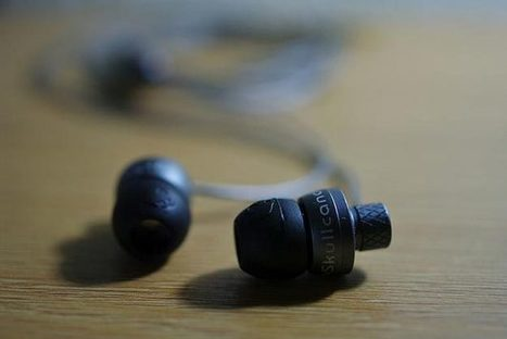Microsoft earbuds  monitor wearers' health to help pick the next song | Radio Show Contents | Scoop.it