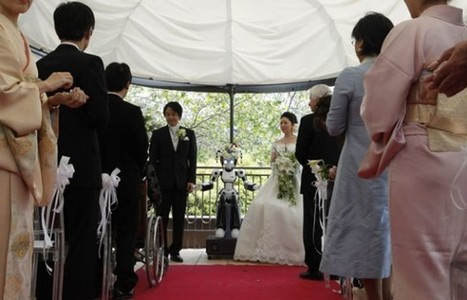 Japanese couple married by a robot | The Robot Times | Scoop.it