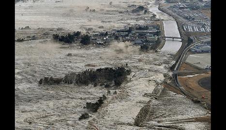 [Photo] Image impressionnate du tsunami à Iwanuma | Flickr - Photo Sharing! | Japon : séisme, tsunami & conséquences | Scoop.it