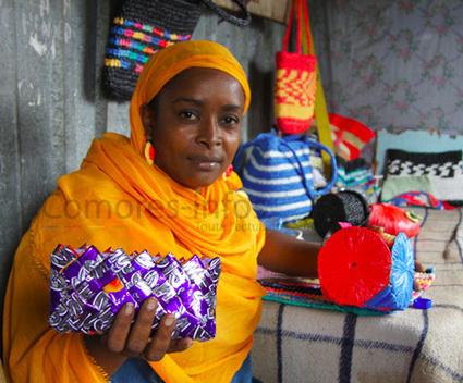 ECOLOGIE AU FÉMININ :Mhaza Ibouroi s'est engagée à réduire les déchets ménagers aux Comores | Comores Infos | Développement Durable | Scoop.it