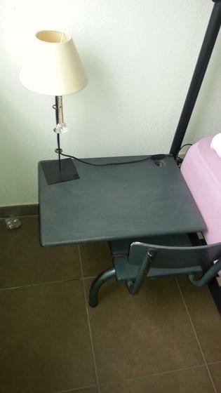 [Coup de ♥] Customisation d'un bureau d'écolier en table de chevet par MissMog sur le #CDB | Best of coin des bricoleurs | Scoop.it