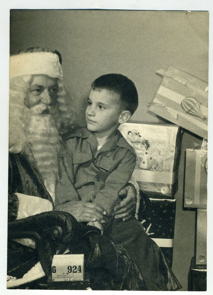 On Santa's Lap #Vintage | Antiques & Vintage Collectibles | Scoop.it