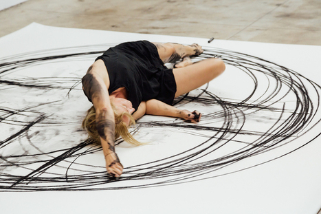 Dancer Draws Beautiful Abstract Paintings Using Choreographed Body Movements | xposing world of Photography & Design | Scoop.it