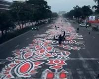 Stop Motion Film Captures The Making Of 1km Long Street Art - PSFK | World of Street & Outdoor Arts | Scoop.it