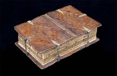 Ce fascinant grimoire du XVIème siècle peut être lu de six façons différentes | GenealoNet | Scoop.it