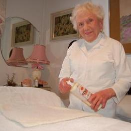 The 98-Year-Old Massage Therapist Grandmother : The Low Density Lifestyle   Massage Therapy   Scoop.it