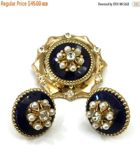 Demi Sale Coro Pegasus Victorian Revival Demi, Brooch and Earring, Blue Enamel, Faux Pearls, Clear Rhinestone | Vintage Jewelry and Other Vintage Treasures | Scoop.it