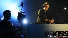 German DJ Felix Jaehn tops US music charts | Music | DW.COM | 20.07.2015 | Angelika's German Magazine | Scoop.it
