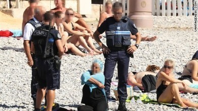 Burkini ban: Police in Nice force woman to remove part of clothing | Injustice in our society | Scoop.it