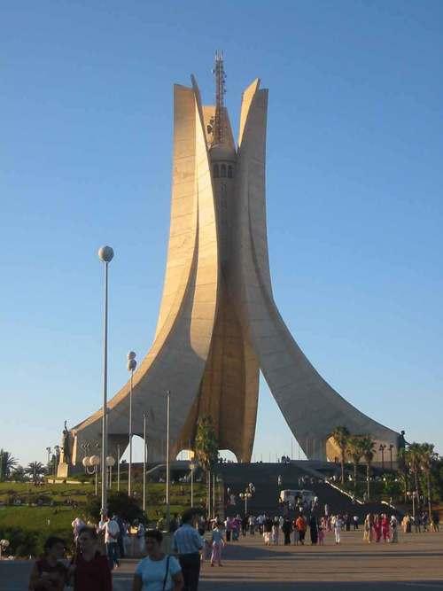 Mes préjugés, le douanier algérien et moi | Bondy Blog
