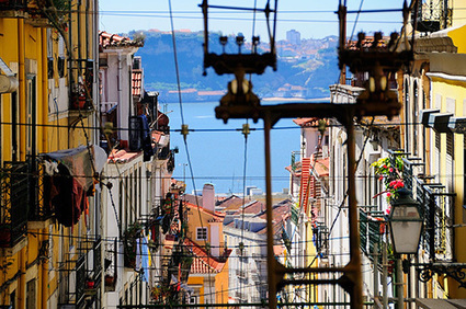 Portugal hits 70% renewable power. And they're not alone...   The Divine Portugal   Scoop.it