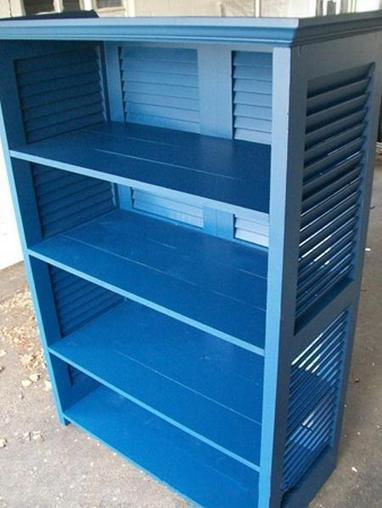 Bookshelf from upcycled shutters | Let's Upcycle! | Scoop.it